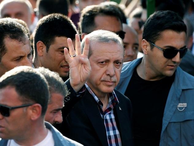 Четверо полицейских пострадали в ДТП с участие Эрдогана