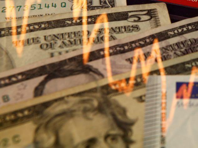 Специалист: Доллар может упасть напротяжении недели ниже 40 руб.