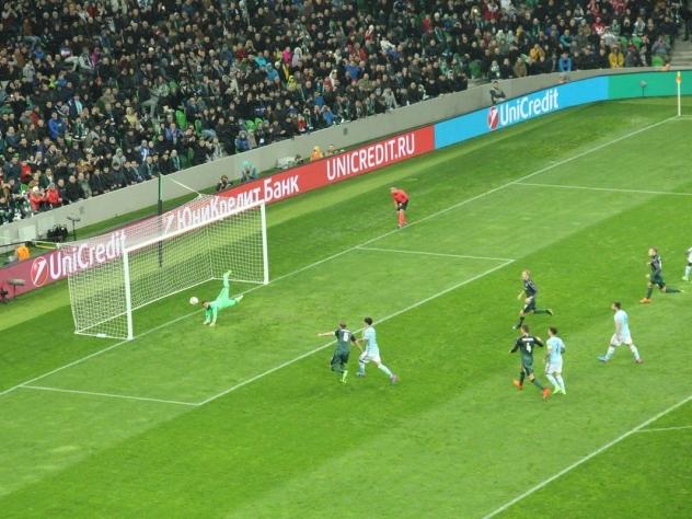 Русский  футбольный клуб «Краснодар» дома проиграл испанской «Сельте» срезультатом  0:2