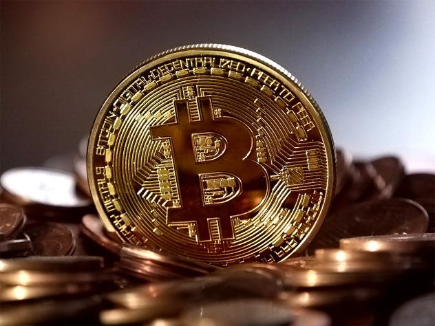 Что стоит за феноменальным удорожанием биткоинов