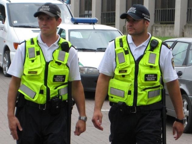 В Латвии уволили полицейского, поглумившегося на авиакатастрофой в Ростове