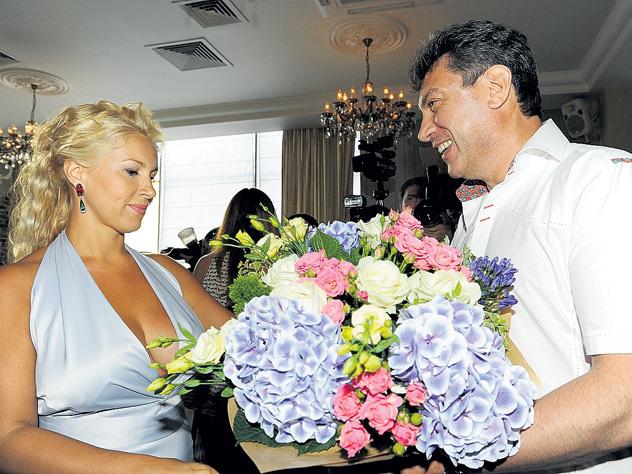 Одинцова готовит иск к «любовнице» Немцова