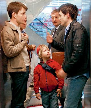 Зрители так и не узнали, кто подстроил падение лифта, в котором погибли эти герои сериала «Танго с ангелом»