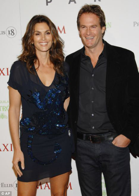 Синди КРОУФОРД и ее супруг Рэнди ГЕРБЕР. Фото: Daily Mail
