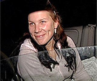Таксист МАРИНА в трудной жизненной ситуации не бросила ни детей, ни железного коня, за который исправно выплачивает кредит банку