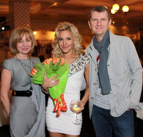 Юля КОВАЛЬЧУК с Юрием АКСЮТОЙ и его любимой женщиной Светланой