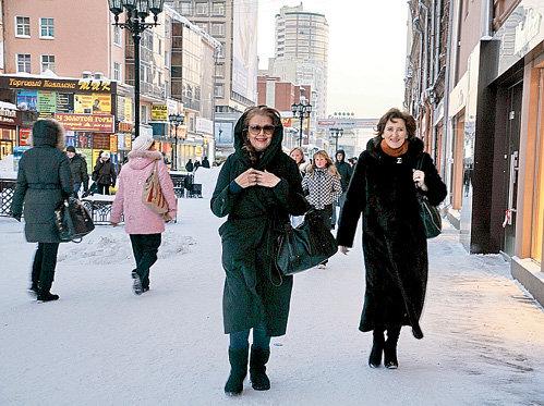 На екатеринбургской улице Вайнера Ирина чувствует себя так же комфортно, как на московском Арбате