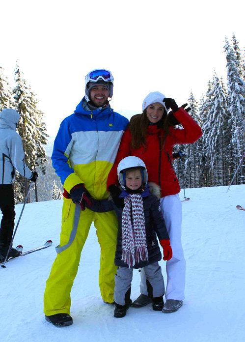 Анна СЕДОКОВА c женихом Максимом и с дочкой