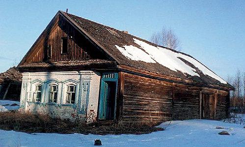 Дом в селе Бишкиль, куда своих первенцев мать могла привезти из роддома