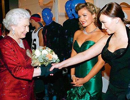 Даже во время седьмой встречи королева не узнала Шарлотт ЧЕРЧ