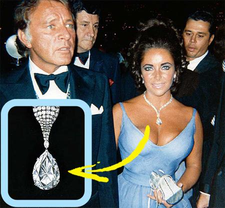 Бриллиант Бартон-Тейлор - самый крупный в коллекции кинозвезды (рядом муж актрисы Ричард БАРТОН)