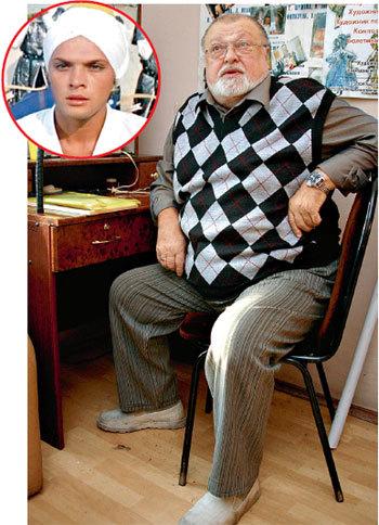 После главной роли в фильме Бориса РЫЦАРЕВА от поклонниц у актёра отбоя не было, но последние 25 лет он верен третьей жене - Ирине САВИНОЙ