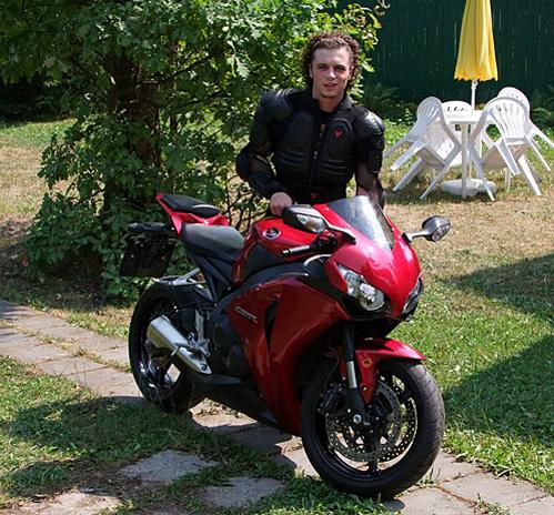 Внук Галины ПОЛЬСКИХ Филипп обожает скорость и мотоциклы