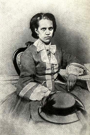 Вторая жена ДОСТОЕВСКОГО, Анна Григорьевна, беспрекословно выполняла любые его эротические желания
