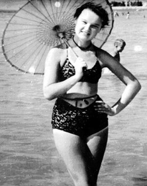 Такой Людмила была незадолго до начала своей фееричной карьеры (1954 г.)