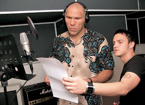 Боксёр Николай ВАЛУЕВ прочитал рэп с солистом группы «Челси» Дэном