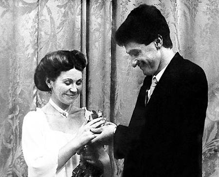 Однокурсница Лена, на которой Михаил женился в 21 год «по залёту», трагически погибла