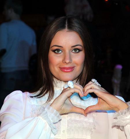 Оксана ФЁДОРОВА - самая красивая... (фото Бориса КУДРЯВОВА)