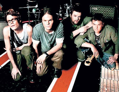 Ударник и гитарист Аки ХАКАЛА присоединился к группе «The Rasmus» в конце 90-х (фото altwall.net)