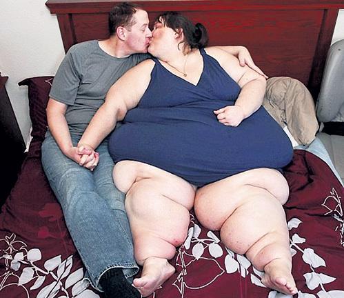 Толстую жену при муже