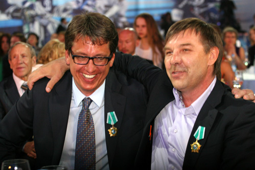 Главный тренер Олег ЗНАРОК (справа) и старший тренер Харийс ВИТОЛИНЬШ