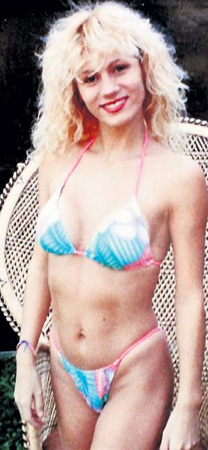 До начала карьеры «грудастой модели» Лэйси выглядела, как одна из многих тысяч девушек