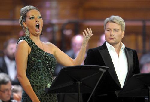 Мария Максакова (Мирта) и Николай Басков (Альберт) во время премьеры оперы =Альберт и Жизель=
