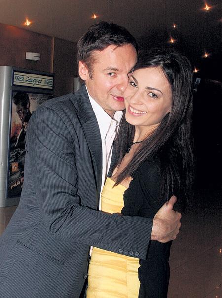 Паша и Алёна познакомились в кафе