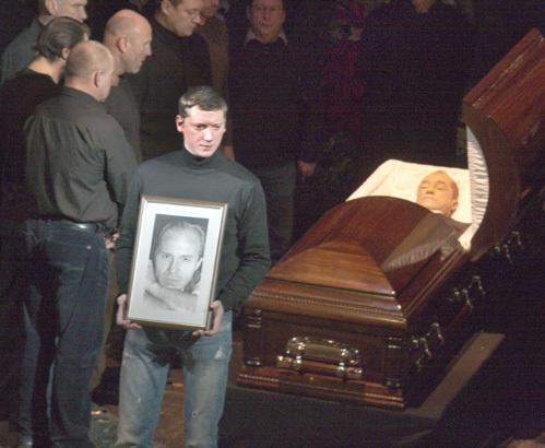 Друзья не смирились с тем, что причины смерти ПАНИНА так и не установлены. Фото Анатолия МЕЛИХОВА