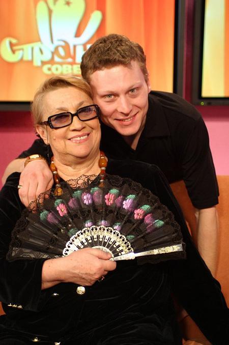 Рамаз со своей знаменитой бабушкой Софико ЧИАУРЕЛИ