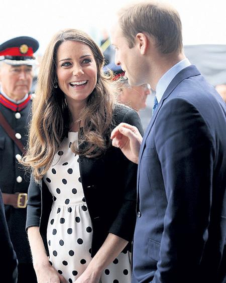 УИЛЬЯМ так и не смог объяснить Кейт, зачем финны подарили им кондомы