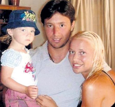 Илья КОВАЛЬЧУК с женой Николь и дочуркой Каролиной (2008 г.)