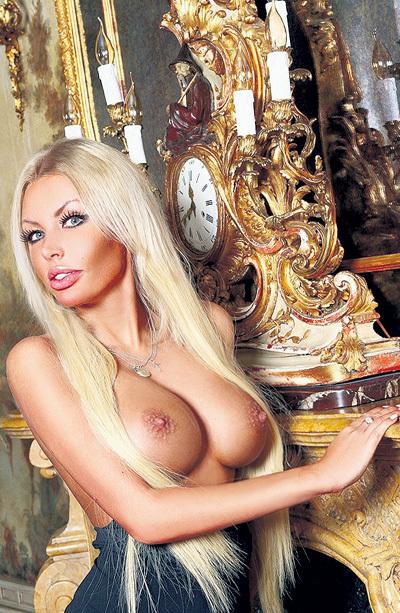 Аэлита утверждает, что несколько лет назад получила титул «Мисс Очарование» на конкурсе красоты в Выборге