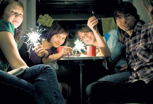 Путешествие во время Нового года... Фото: happysemeyka.ru