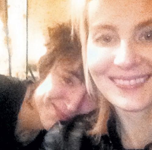 Рената дружит с ЗЕМФИРОЙ не первый десяток лет. «Она очень добрая, очень светлая. Я это говорю, как влюблённый человек», - не раз признавалась актриса. Фото: Instagram.com