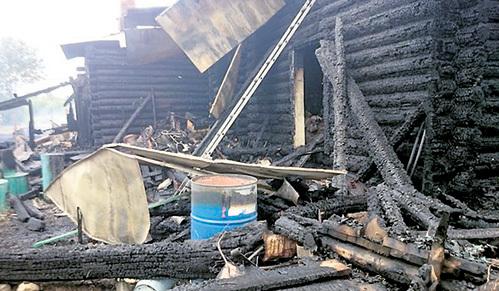 ...и вместе с такими же неравнодушными гражданами пытается спасти родную деревню от уничтожения