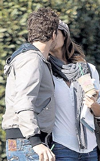 Поцелуи и обнимашки...