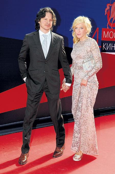 Актриса Ирина ГРИНЁВА через шесть лет отношений с Андреем ЗВЯГИНЦЕВЫМ ушла к фигуристу Максиму ШАБАЛИНУ