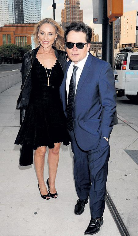 Майкл и Трэйси познакомились на сериале «Семейные узы» и уже 26 лет вместе в горе и в радости