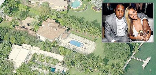 Этот дом БЕЙОНСЕ и JAY-Z продали голландскому бизнесмену Гирту-Яну БАККЕРУ в 2010 году за $9,3 млн.