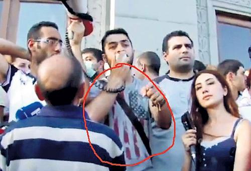 Сразу видно, на кого работают провокаторы в Ереване. Фото: Vk.com