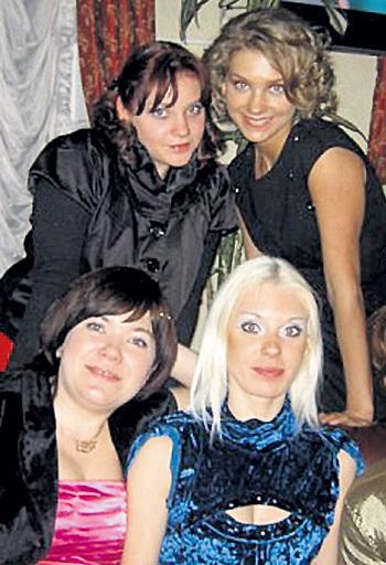Сёстры МЯСНИКОВЫ: Карина и Кристина (вверху), Катя и Ольга (внизу). Фото: Vk.com