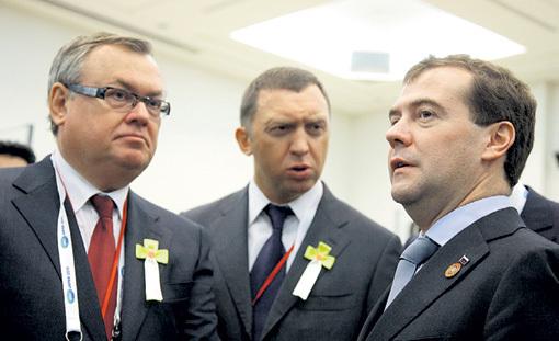 Арбитром в споре олигархов КОСТИНА и ДЕРИПАСКИ станет премьер-министр Дмитрий МЕДВЕДЕВ