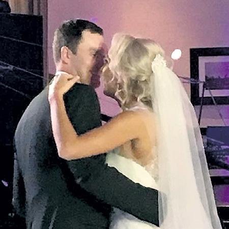 На свадьбу Елены и Павла...