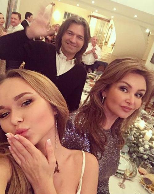 Дмитрий МАЛИКОВ с женой и дочерью (Фото: instagram.com)