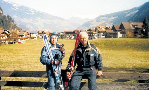 Владимир МАСЛАЧЕНКО научил кататься на горных лыжах свою жену Ольгу