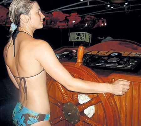 Купальник Дарьи и её фигура кого хочешь сведут с ума. Фото с сайта Sports.ru