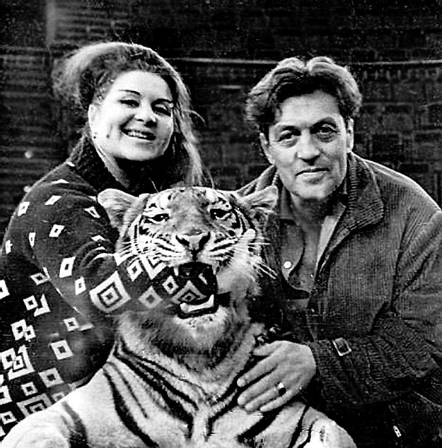 Маргарита и Константин любили тигров, как детей. Фото с сайта Freecity.lv
