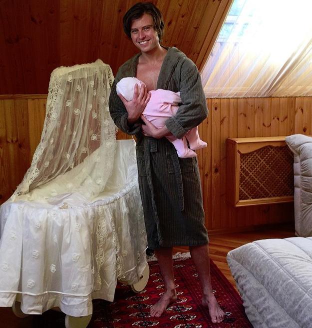 Проша коряво изображал из себя папу. Фото: instagram.com/p_shalyapin