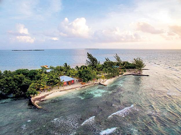 Режиссёр намерен проводить на островке Коралл-Кэй несколько недель в году, а в остальное время сдавать его в аренду